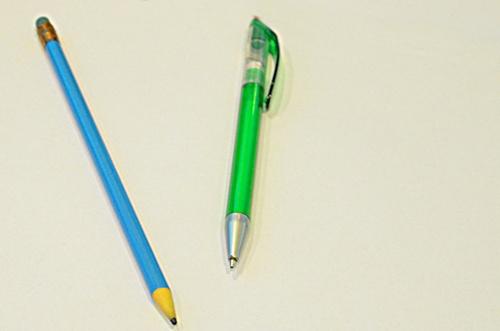 długopis i ołówek