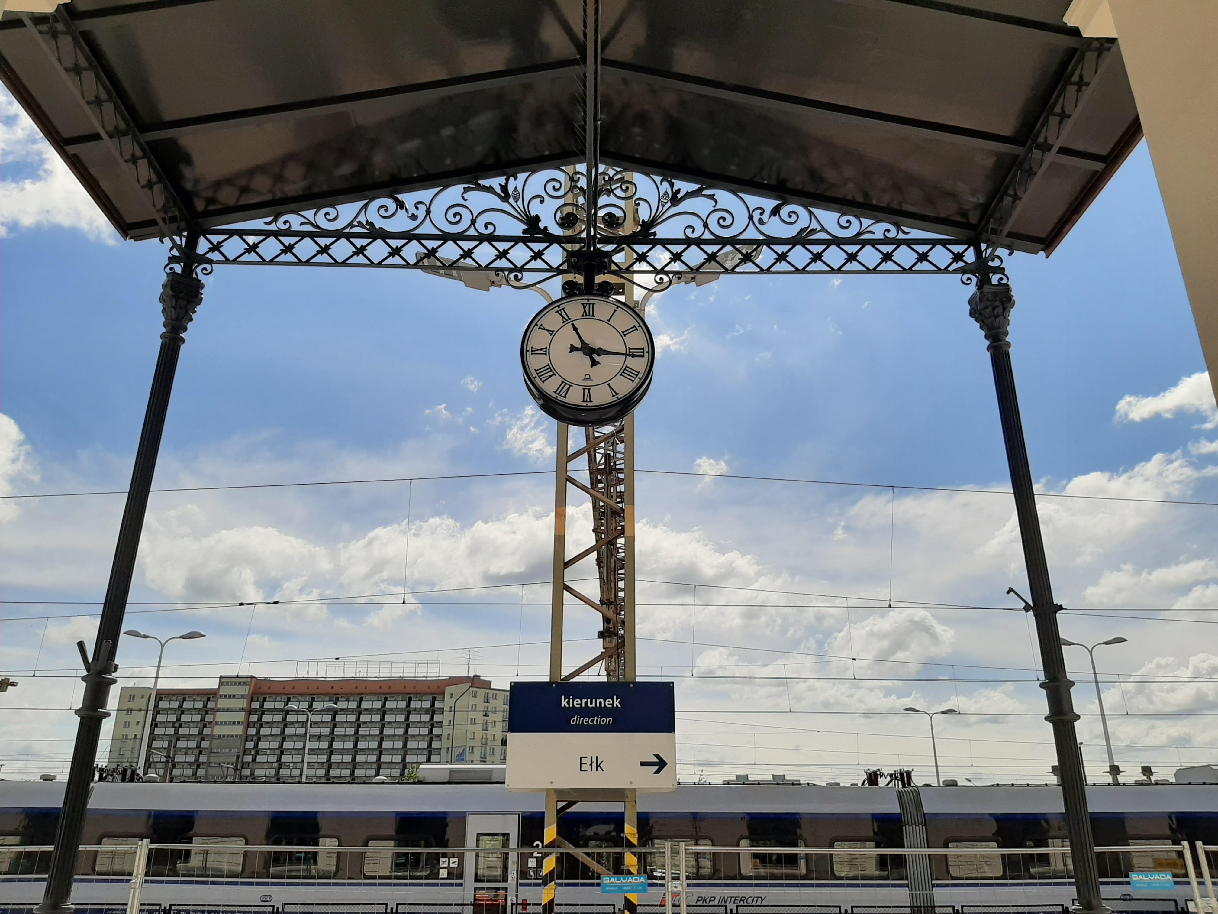 Zegar dworcowy na stacji PKP Białystok
